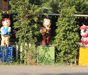 Roadside statues inc Elvis