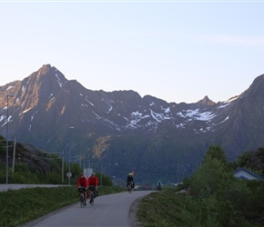 Carel and Malc on the cyclepath from Solvaer to Kabelvag