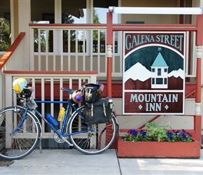 Colins bike outside our accommodation at Galena Mountain Inn