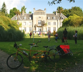 Kevins bike at the Chateau