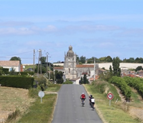 Approaching Saint Fort sur Gironde