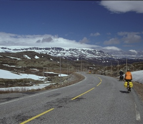 Descending towards Geilo